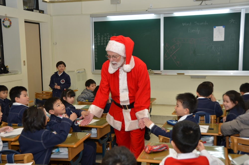 Playing Santa in Taiwan